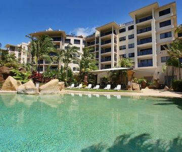 Alexandra-Headland-Resorts-1