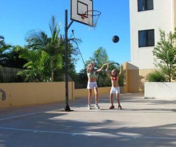 mirage-alexandra-headland-resort-play-1