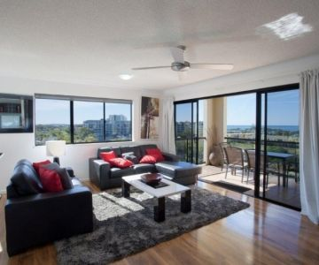 3br-oceanview-living-and-view-north-end