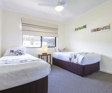 Alexandra-Headland-Apartments-13