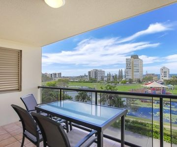 Alexandra-Headland-Apartments-16