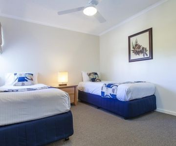 Alexandra-Headland-Holiday-Apartments-1