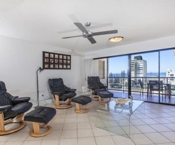 Alexandra-Headland-Holiday-Apartments-5