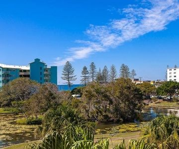 apartment-for-sale-alexandra-headland-1
